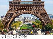 Купить «Эйфелева башня в Париже», фото № 5317466, снято 15 сентября 2011 г. (c) Алексей Попов / Фотобанк Лори