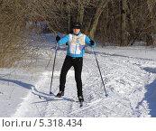Купить «Детский зимний спорт. Девочка на лыжах», фото № 5318434, снято 5 февраля 2010 г. (c) Александра Лукашина / Фотобанк Лори