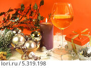Купить «Новогодняя композиция», фото № 5319198, снято 19 ноября 2013 г. (c) Виктор Топорков / Фотобанк Лори