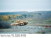 Купить «Танк Т-90С», фото № 5320918, снято 18 октября 2013 г. (c) Сергей Буторин / Фотобанк Лори