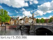 Купить «Амстердам, центр города. Голландия», фото № 5350986, снято 19 сентября 2013 г. (c) Vitas / Фотобанк Лори