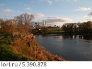 Вид на Соборную площадь в Коломне с реки Москва (2013 год). Стоковое фото, фотограф Алексей Сергевич / Фотобанк Лори