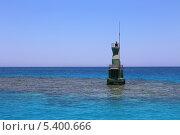 Купить «Сигнальный бакен в Красном море, Египет», эксклюзивное фото № 5400666, снято 27 июля 2013 г. (c) Алексей Гусев / Фотобанк Лори