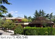 Купить «Красивый летний городской парк отдыха», фото № 5406546, снято 3 июля 2013 г. (c) Евгений Ткачёв / Фотобанк Лори