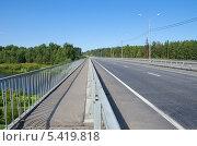 Тверская область. Автомобильный мост через реку Тверцу. Стоковое фото, фотограф Елена Коромыслова / Фотобанк Лори