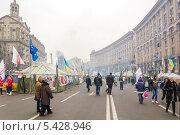 Купить «Протестующие на улицах Киева, декабрь 2013 г», фото № 5428946, снято 19 декабря 2013 г. (c) Алексей Сергеев / Фотобанк Лори
