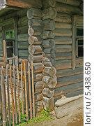 Купить «Сруб деревянного дома», фото № 5438650, снято 18 мая 2013 г. (c) Марина Шатерова / Фотобанк Лори