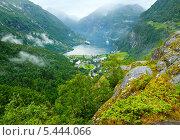 Купить «Гейрангер-фьорд летом. Норвегия», фото № 5444066, снято 17 июля 2013 г. (c) Юрий Брыкайло / Фотобанк Лори
