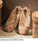 Купить «Лапти», эксклюзивное фото № 5473010, снято 12 июня 2012 г. (c) Александр Щепин / Фотобанк Лори