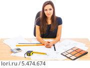 Купить «Женщина-специалист по дизайну интерьера на рабочем месте», фото № 5474674, снято 13 октября 2013 г. (c) Сергей Дубров / Фотобанк Лори