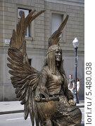 Купить «Живая скульптура на Рамбла. Барселона», фото № 5480038, снято 29 сентября 2013 г. (c) Лада Иванова / Фотобанк Лори