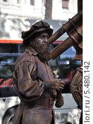 Купить «Живая скульптура на бульваре Рамбла. Барселона. Испания.», фото № 5480142, снято 1 сентября 2013 г. (c) Лада Иванова / Фотобанк Лори