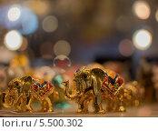 Статуэтки - слоны (2013 год). Редакционное фото, фотограф Ростислав Киевский / Фотобанк Лори