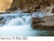 Купить «Пороги на горной реке», фото № 5502382, снято 22 апреля 2013 г. (c) Владимир Пойлов / Фотобанк Лори