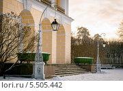 Парадный подъезд ко дворцу. Редакционное фото, фотограф Александр Невский / Фотобанк Лори