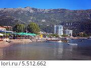 Вид на курорт: пляж, отели, горы (2013 год). Редакционное фото, фотограф Таисия Флягина / Фотобанк Лори