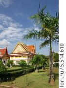 Купить «Буддистский Храм сидящего монаха (Wat Kaeo Manee Si Mahathat) в провинции Пханг Нга, Тайланд», фото № 5514610, снято 8 января 2014 г. (c) Natalya Sidorova / Фотобанк Лори