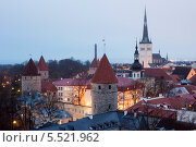 Купить «Вечерний вид на Старый город в Таллине, Эстония», эксклюзивное фото № 5521962, снято 6 января 2014 г. (c) Литвяк Игорь / Фотобанк Лори