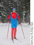 Купить «Член олимпийской сборной по лыжным гонкам Александр Бессмертных», фото № 5532722, снято 31 декабря 2013 г. (c) Максим Попурий / Фотобанк Лори
