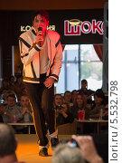 Двойник Майкла Джексона в Воронеже (2013 год). Редакционное фото, фотограф Александр Tолстой / Фотобанк Лори