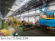 Купить «Прокатный стан в цехе завода», фото № 5542334, снято 4 мая 2012 г. (c) Losevsky Pavel / Фотобанк Лори