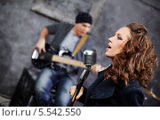 Купить «Рок-группа на съемке видео-клипа», фото № 5542550, снято 26 ноября 2012 г. (c) Losevsky Pavel / Фотобанк Лори