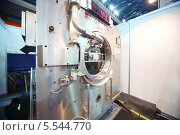 Купить «Презентация промышленной стиральной машины на 14 Международной выставке чистоты КлинЭкспо 2012 в СК Олимпийский, 15 ноября 2012 года в Москве, Россия», фото № 5544770, снято 15 ноября 2012 г. (c) Losevsky Pavel / Фотобанк Лори