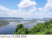 Купить «Живописный летний вид на Волгу», фото № 5558954, снято 8 июня 2013 г. (c) Сергей Девяткин / Фотобанк Лори