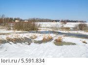 Купить «Весенний сельский пейзаж», эксклюзивное фото № 5591834, снято 16 апреля 2013 г. (c) Елена Коромыслова / Фотобанк Лори