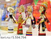 Купить «Куклы в нарядах  четырех народностей России», фото № 5594794, снято 9 февраля 2014 г. (c) Анна Мартынова / Фотобанк Лори