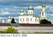 Купить «Великий Новгород, Свято-Юрьев монастырь», фото № 5611358, снято 18 июля 2013 г. (c) ИВА Афонская / Фотобанк Лори