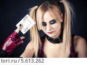 Купить «Девушка в образе злого арлекина», фото № 5613262, снято 8 февраля 2014 г. (c) Quadshock / Фотобанк Лори