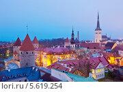 Купить «Вечерний вид на Старый город в Таллине, Эстония», эксклюзивное фото № 5619254, снято 6 января 2014 г. (c) Литвяк Игорь / Фотобанк Лори