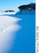 Купить «Озеро Байкал в солнечный зимний день», фото № 5643130, снято 14 февраля 2013 г. (c) Сергей Белов / Фотобанк Лори