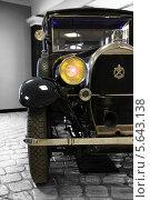 Фрагмент ретро автомобиля Hotchkiss AM4 1930г (2010 год). Редакционное фото, фотограф Алексей Горбунов / Фотобанк Лори