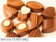 Купить «Ассорти из шоколадных конфет», фото № 5651662, снято 13 декабря 2011 г. (c) Losevsky Pavel / Фотобанк Лори