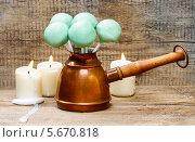 Купить «Зеленые леденцы на палочке в турке для кофе», фото № 5670818, снято 31 марта 2020 г. (c) BE&W Photo / Фотобанк Лори