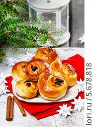 Купить «Традиционные шведские булочки с шафраном», фото № 5678818, снято 31 марта 2020 г. (c) BE&W Photo / Фотобанк Лори