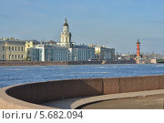 Купить «Весенняя Нева. Санкт-Петербург», эксклюзивное фото № 5682094, снято 7 марта 2014 г. (c) Александр Алексеев / Фотобанк Лори