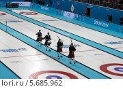 Купить «Керлинг. Сочи. Олимпийские игры 2014», фото № 5685962, снято 22 февраля 2014 г. (c) Корчагина Полина / Фотобанк Лори