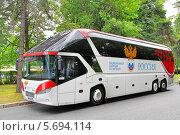 Купить «Автобус Neoplan N5217/3SHD Starliner сборной России по футболу», фото № 5694114, снято 7 июля 2012 г. (c) Art Konovalov / Фотобанк Лори