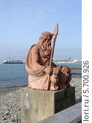 Купить «Скульптура Нептуна на пляже в городе Сочи», эксклюзивное фото № 5700926, снято 22 февраля 2014 г. (c) Алексей Гусев / Фотобанк Лори