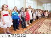 Купить «Дети в садике в классе», фото № 5702202, снято 6 марта 2014 г. (c) Кекяляйнен Андрей / Фотобанк Лори