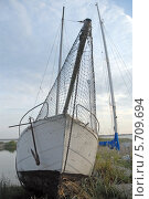 Лодка на берегу залива. Стоковое фото, фотограф Svet / Фотобанк Лори