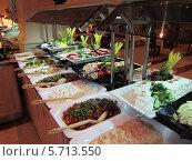 Вкусные салаты. Стоковое фото, фотограф Вадим Алмакаев / Фотобанк Лори