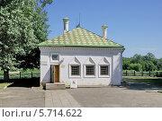 Купить «Дом-музей Петра I в Вологде», эксклюзивное фото № 5714622, снято 14 июля 2013 г. (c) stargal / Фотобанк Лори