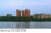 Купить «Катание на скутере. Красноярск», видеоролик № 5720578, снято 26 августа 2013 г. (c) Ирина Егорова / Фотобанк Лори