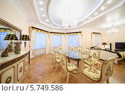 Купить «Интерьер роскошной гостиной в классическом стиле», фото № 5749586, снято 16 января 2013 г. (c) Losevsky Pavel / Фотобанк Лори