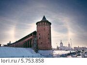 Гало на фоне Маринкиной башни Коломенского кремля (2014 год). Стоковое фото, фотограф Алексей Сергевич / Фотобанк Лори