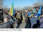"""Купить «Радикалы из «Правого сектора» и самообороны Майдана. Столкновение со сторонниками антимайдана Одессы - """"Куликово поле""""», фото № 5757582, снято 30 марта 2014 г. (c) KEN VOSAR / Фотобанк Лори"""